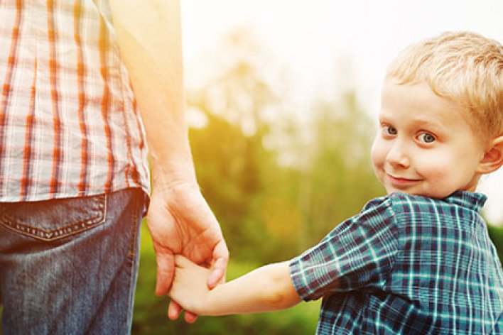 Bạn Có Biết Trẻ Em Sẽ Thông Minh Hơn Khi Được Bố Quan Tâm?