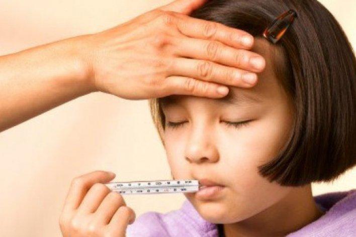 Dịch Cúm Đang Cao Điểm Mẹ Phải Lưu Ý Những Điều Sau Để Con Không Bị Biến Chứng