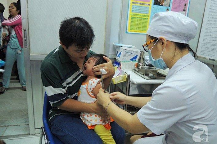 Từ Tháng 1/2018 Trẻ Sơ Sinh Đến 5 Tuổi Bắt Buộc Phải Tiêm Đủ 10 Loại Vắc Xin