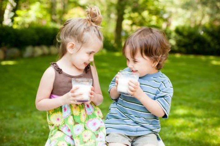 Mẹ Bận Rộn Ngày Tết Nên Cho Con Uống Sữa Thay Cơm Cháo Và Tác Hại