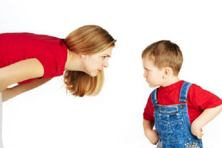 Sai lầm Của Cha Mẹ Khi Dạy Con Khiến Con Bướng Gấp Bội Phần