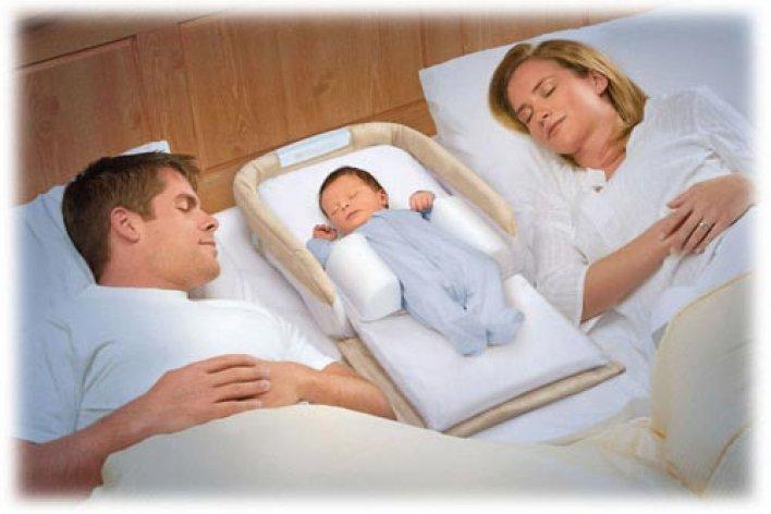 Cho Con Ngủ Chung Hay Ngủ Riêng Bố Mẹ Từ Nhỏ