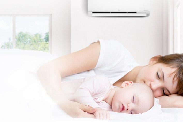 Cho Trẻ Nằm Ngủ Máy Lạnh Có Tốt Không?