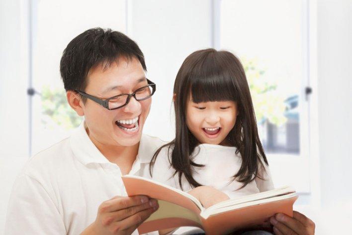 23 Câu Nên Hỏi Con Để Biết Một Ngày Con Ở Trường Ra Sao