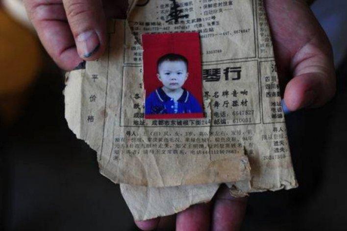 Người Cha Làm Tài Xế Taxi Để Mong Tìm Con Gái Mất Tích 24 Năm Và Kết Quả Là