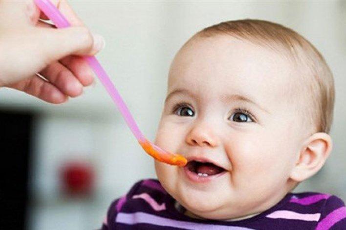 """Mẹ Hãy Nhanh Tay Loại Bỏ Những Món Ăn Là """"Độc Tố"""" Nguy Hiểm Này Với Trẻ Ăn Dặm"""