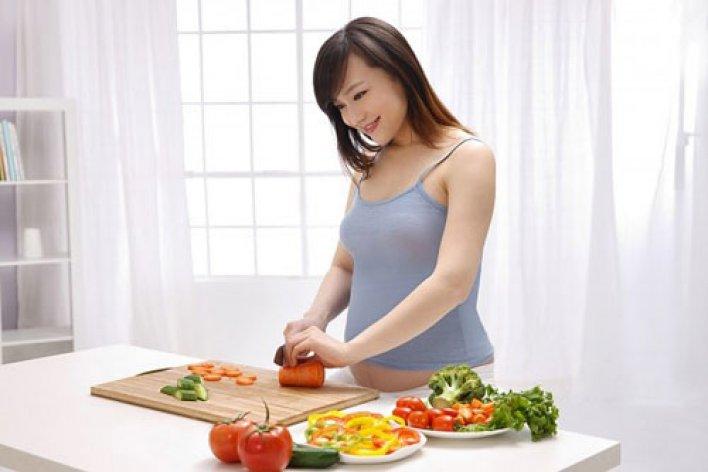 5 Loại Thức Ăn Mẹ Bầu Nên Tránh Để Tốt Cho Thai Nhi