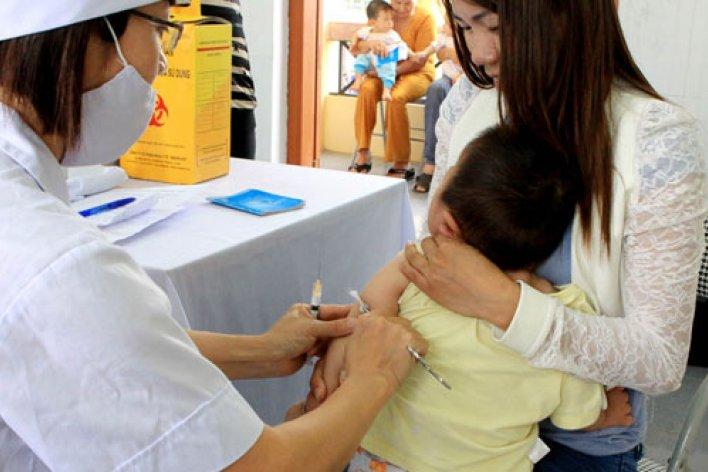 Những Bệnh Truyền Nhiễm Có Thể Phòng Ngừa Bằng Vacxin Cho Trẻ