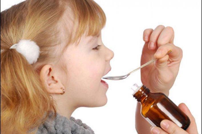 Mẹ Tự Cho Trẻ Uống Siro Quá Liều Trẻ Bị Lú Lẫn