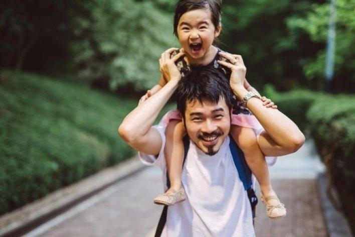 Bố Mẹ Hãu Tránh Những Thói Xấu Này Để Làm Gương Cho Con