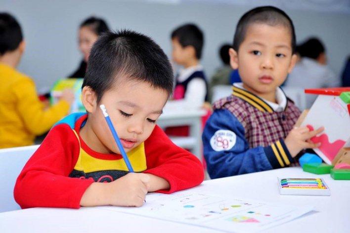 Có Nên Ép Con Học Chữ Trước Khi Vào Lớp 1 ?