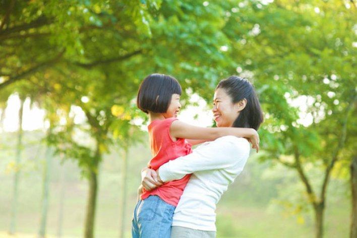 Dù Bận Cách Mấy Ba Mẹ Cũng Nhớ Dành Cho Con 3 Phút Mỗi Ngày Để Làm Việc Này Nhé