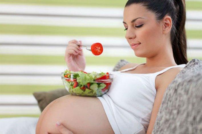 Bí Quyết Ăn Uống Cho Mẹ Bầu Để Vào Con Không Vào Mẹ