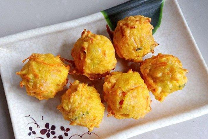 Bánh Carot Cho Bé Biếng Ăn